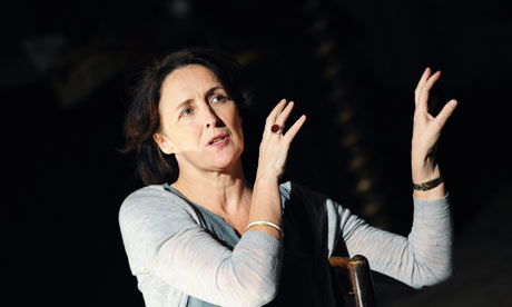 Fiona-Shaw-in-The-Waste-L-001
